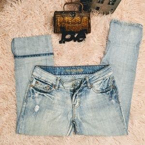 Size 4 American Eagle Hipster Capri Light Wash